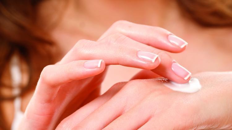 C'è differenza tra pelle secca e pelle disidratata? | Ducray