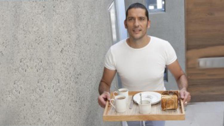 Una dieta non equilibrata può provocare o aggravare la caduta dei capelli | Ducray